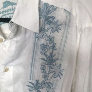 TOMMY BAHAMA Embroidered White/Blue Linen Shirt XL